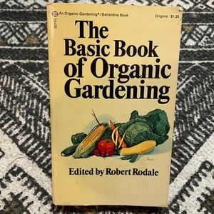 The basic book of organic gardening vintage paper back book